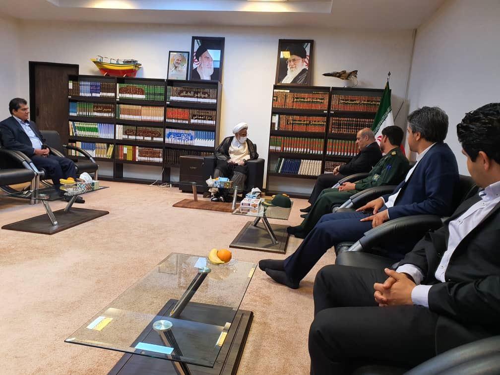 تصویر از دیدار مدیرعامل سازمان منطقه آزاد قشم با نماینده ولی فقیه در استان هرمزگان