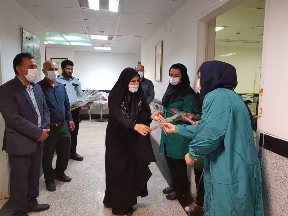 تصویر از تکریم از مقام ماما در بیمارستان پیامبر اعظم(ص) قشم