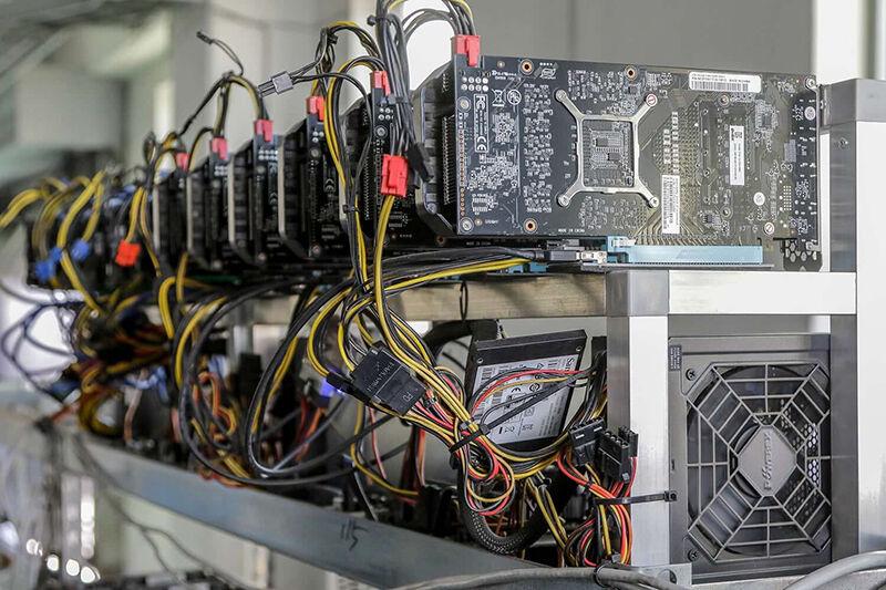 تصویر از کشف ۱۴ دستگاه استخراج ارز دیجیتال در قشم