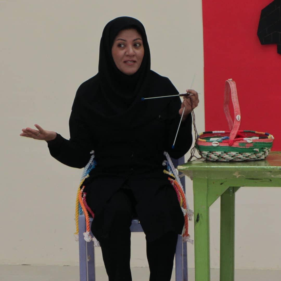 تصویر از بانویی از جنس مهربانی / اعضای کانون پرورشی فکری کودک و نوجوان مرکز قشم، افتخارآفرینان جزیره