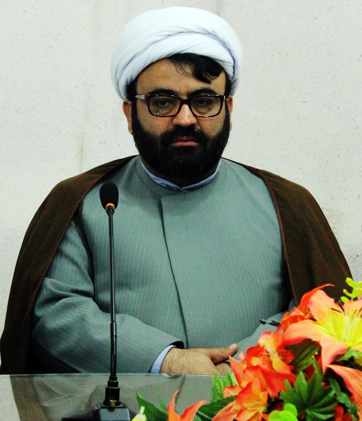 تصویر از انتقاد شدید رئیس اداره تبلیغات اسلامی قشم به تداخل جلسات با وقت نماز